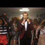 Veja Kevin Bacon revivendo Footloose!