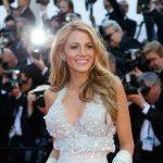 Blake Lively é puro glamour no tapete vermelho do Festival de Cannes