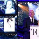 Bruce Willis e Mary-Louise Parker anunciam os indicados ao prêmio Tony
