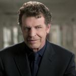 Perfeito! John Noble, de Fringe, será o pai de Sherlock Holmes!