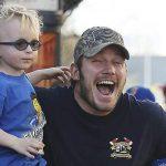 Celebrando o Dia dos Pais: as fotos mais fofas dos atores com seus filhos lindos