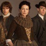 Fotos de Frank, Claire e Jamie na 3ª temporada de Outlander