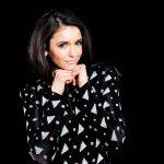 O lindo estilo de Nina Dobrev promovendo Triplo X pelo mundo