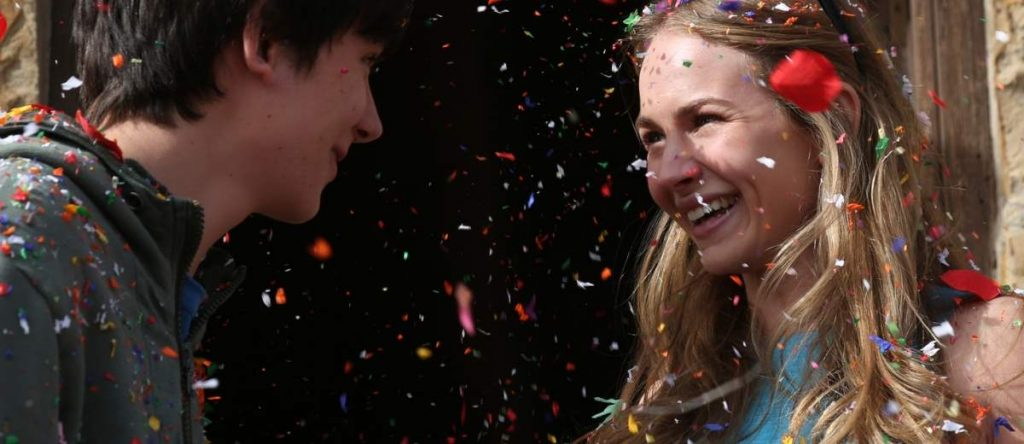 Britt-Robertson-Asa-Butterfield-The-Space-Between-Us-1200x520-1024x444.jpeg (1024×444)