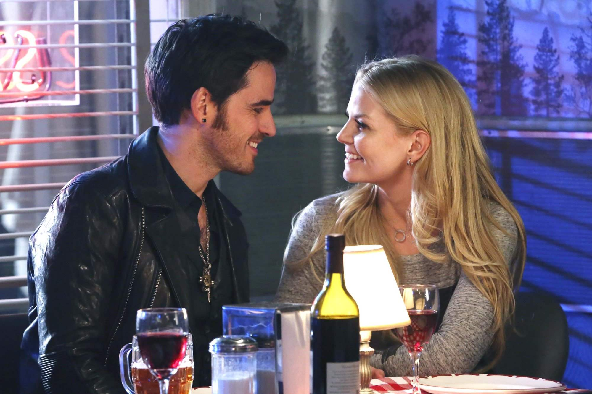 "ONCE UPON A TIME (2015) ""Darkness on the Edge of Town""  Seaon 4, episode 12 COLIN O'DONOGHUE, JENNIFER MORRISON Air Date: 3/01/15"