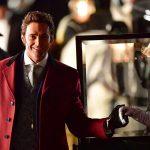 Tem Hugh Jackman perfeito (de novo) em O Rei do Show