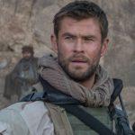 Pelo menos tem Chris Hemsworth em 12 Heróis…