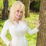 Vem aí uma série da Netflix baseada nas canções de Dolly Parton