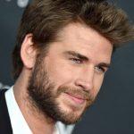 """Liam Hemsworth está """"conhecendo melhor"""" a atriz de Dinastia"""
