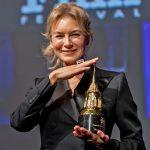 Renee Zellweger ganhou mais um prêmio.