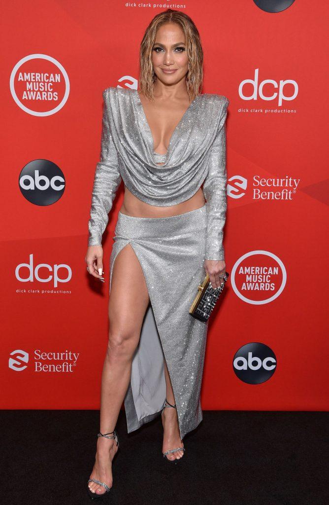 2020-American-Music-Awards-Red-Carpet-Jennifer-Lopez