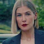 Rosamund Pike brilha em Eu me Importo, da Netflix